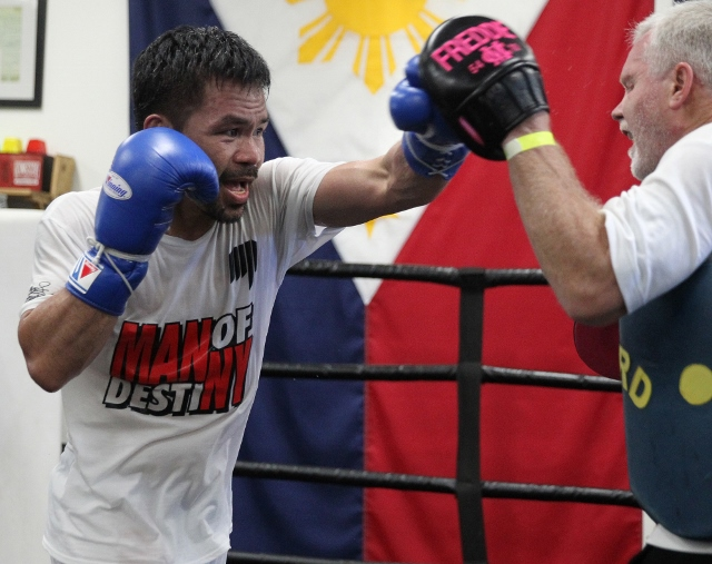Pacquiao still using insane, old school training for Spence fight