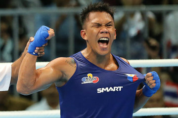 Manny Pacquiao greets protégé Marcial after first win in Olympics